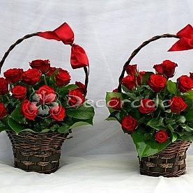 Kosze czerwonych róż