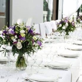Dekoracja ślubna w odcieniach fioletu – Róża Poraja