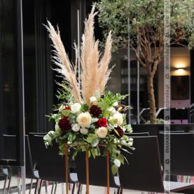 Dekoracja ślubna z dodatkiem trawy pampasowej – Młyńska 12