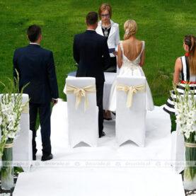 Elegancka biel – dekoracja ślub cywilny w plenerze – Pałac Iwno