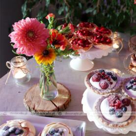 Słodki stół – aranżacja w rustykalnym klimacie – Restauracja Oaza