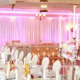 Pałac na Opieszynie – kwiaty, świece i dekoracja światłem