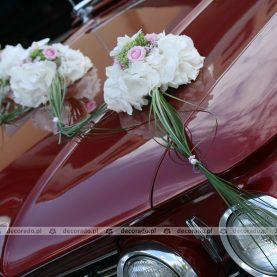 Dekoracja samochodu – biel i róż