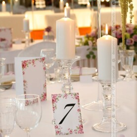 Kwiaty w blasku świec – Hotel Glamour
