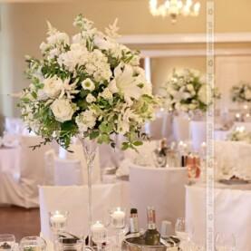 Dekoracja ślubna sali w Pałacu Biedrusko