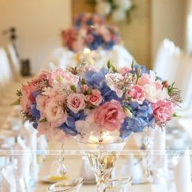 Wianki z błękitno-różowych kwiatów – Pałac na Opieszynie