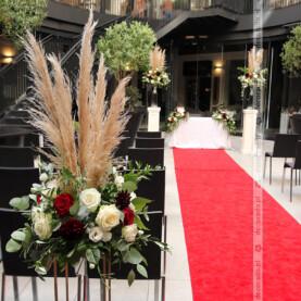 Kwiaty z dodatkiem trawy pampasowej – Młyńska 12