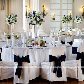 Elegancka dekoracja stołów w Zamku w Rydzynie