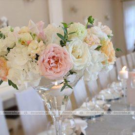 Kwiatowe wianki – pastelowa dekoracja ślubna – Dworek Róża Poraja