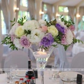 Wianki z kwiatów w delikatnych kolorach – Pałac Tłokinia