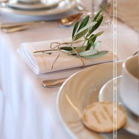 Zielone dodatki – dekoracja serwetek – Karczma na Lednicy