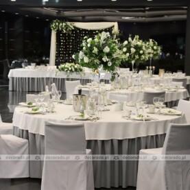 Dekoracja ślubna sali w Hotelu Barczyzna