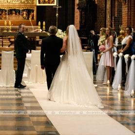 Ślub w bieli – ślubny wystrój Katedry Poznańskiej
