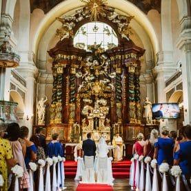 Kościół św. Jana Chrzciciela w Owińskach – dekoracja ślubna