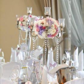 Fiolet, róż, biel – elegancka dekoracja sali Pałac Jaśminowy