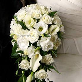 Elegancki bukiet ślubny w bieli