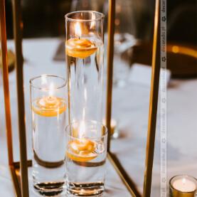 Złote dodatki w dekoracji ślubnej