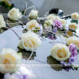 Biel i fiolet – dekoracja samochodu