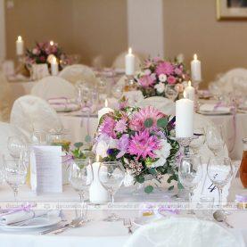 Romantyczna dekoracja sali w odcieniach fioletu Zamek Wąsowo