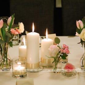 Romantyczne kwiaty w świetle świec Zagroda Bamberska Poznań