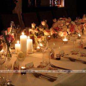 Nastrojowa dekoracja stołu weselnego